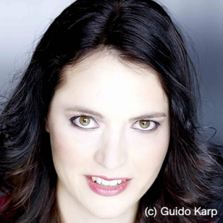 Bold_Emily_c_Guido-Karp-p41d_400x400